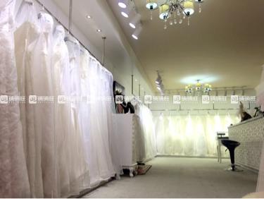 婚纱店上班哪个部门好_婚纱店上班的照片